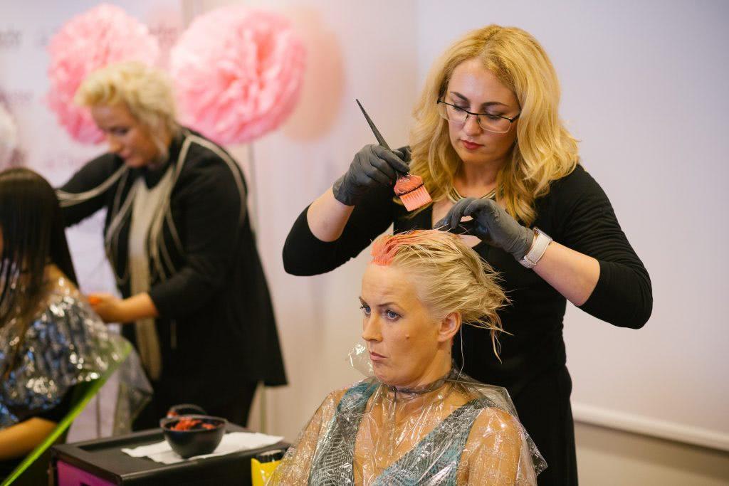Cascada grožio mokykla - Plaukų dažymo kursai